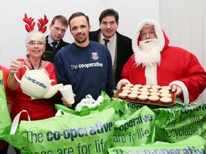 Matthew Etherington helps out Cooperative and Stoke City Community team